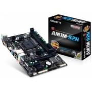 Tarjeta Madre Gigabyte micro ATX AM1M-S2H, S-AM1, HDMI, USB 2.0/3.0, 32GB DDR3, para AMD