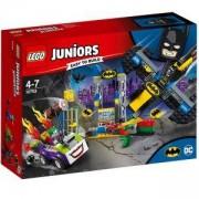 Конструктор Лего Джуниърс - Joker напада пещерата на прилепа, LEGO Juniors, 10753