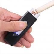 USB Elektrische Aansteker - Vlamloze Aansteker - Geen Olie of Gas - Milieuvriendelijk - Bestand tegen de wind - Makkelijk Oplaadbaar aan je Laptop of PC - Gaat Lang Mee - Ideaal Cadeau voor Rokende Vrienden - Zwarte Kleur