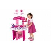 Set Bucatarie de jucarie include o multime de accesorii cu sunete si lumini pentru copii