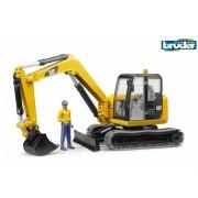 Bruder 02466 Caterpillar excavator pe șenile cu cifre
