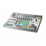 Native Instruments MASCHINE Studio Blanco