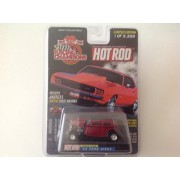 Racing Champions 10 Years Hot Rod Magazine Issue #155 33 Ford Vicky Red/Black
