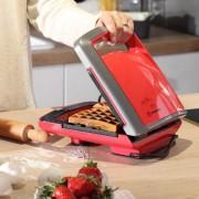**KORKMAZ VERTEX toster za vafle / 800 W / crveni