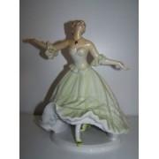 Porcelén táncosnő